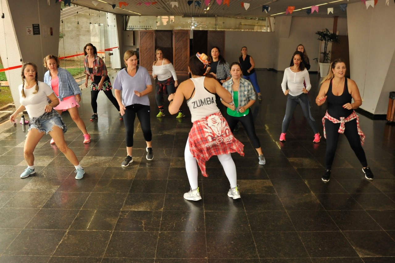 Visualize fotos Arraiá da Zumba