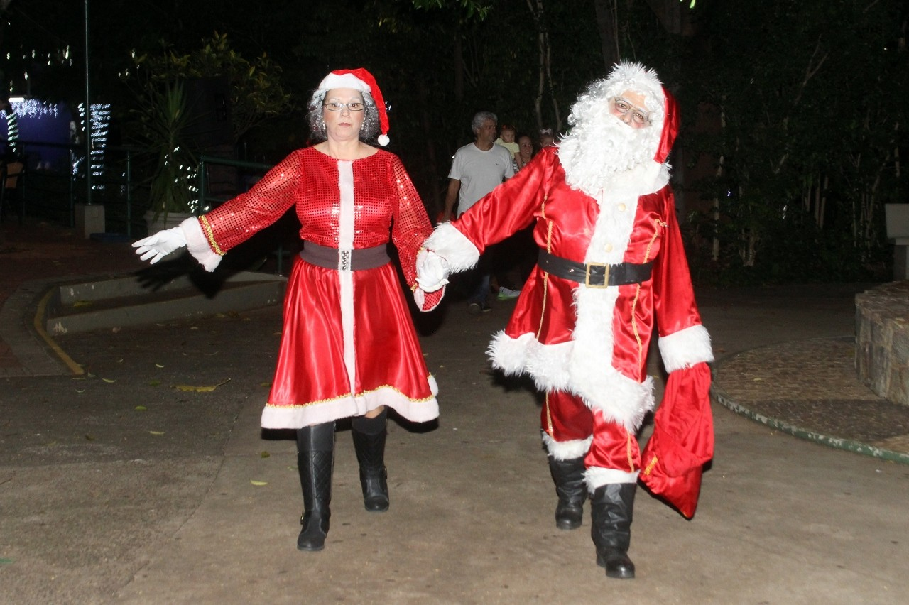 Visualize fotos Trem Turístico e Chegada do Papai Noel 2019
