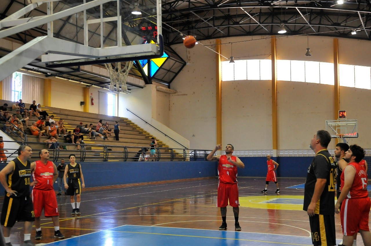 Visualize fotos Final Campeonato Interno Basquete 2019